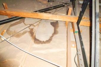 小屋裏内(天井裏)の状況もカメラで撮影し、記録します