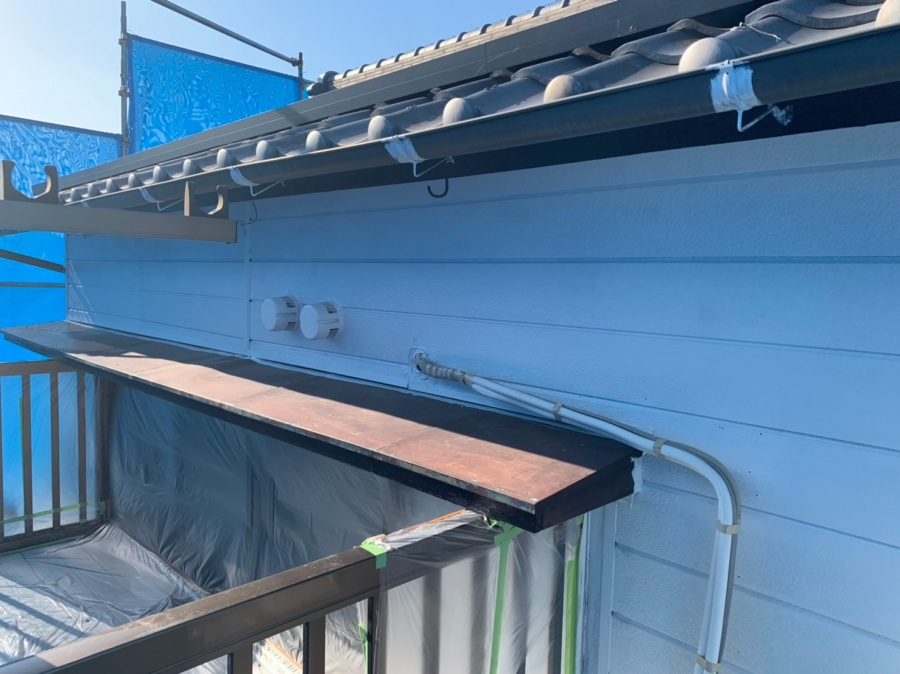 各務原市 外壁塗装工事 さび止め塗料塗ります!
